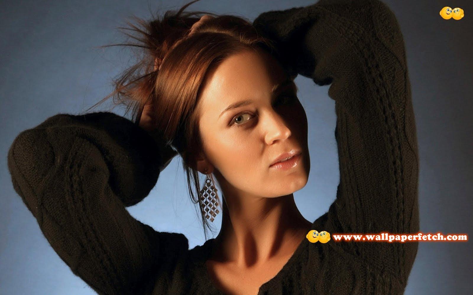 http://2.bp.blogspot.com/-zEg0mRREA7s/T1SckDcLCaI/AAAAAAAANjo/gpGzD6c0MJs/s1600/emily-blunt-11108-1920x1200.jpg