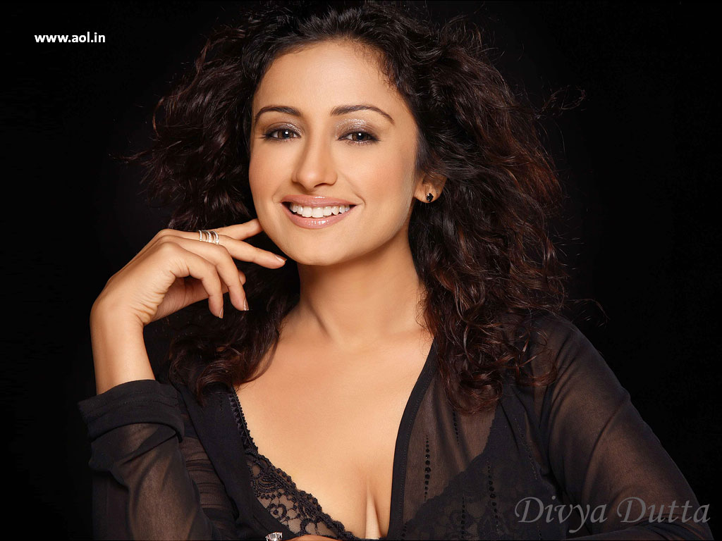Best Cleavages In The World: Divya Dutta Cleavage