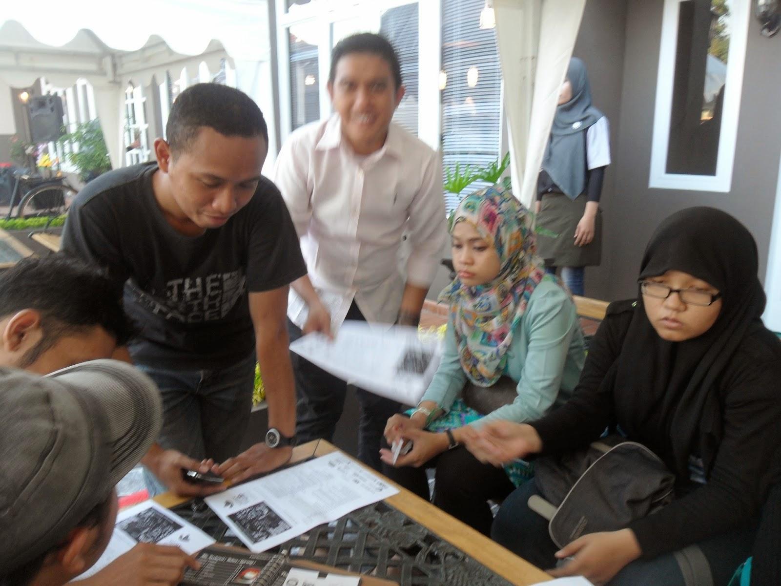Kafe Sadis with Blog M
