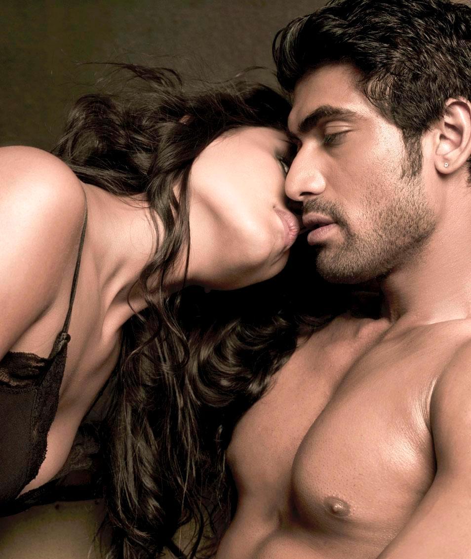 Chitrangada Singh cleavage exposed