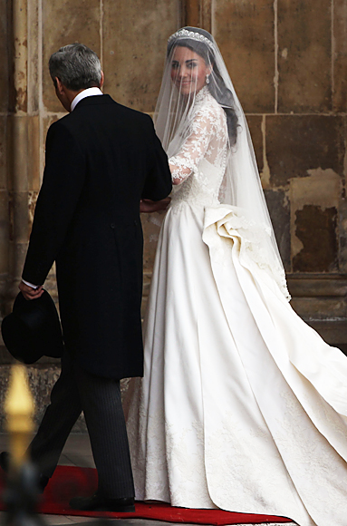 Eversince her engagement Ms Middleton kept mum on her wedding dress