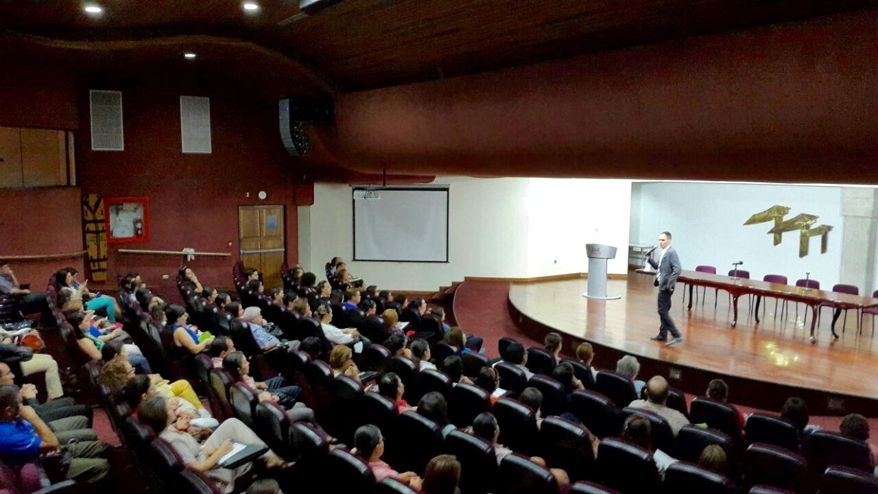 Conferencia: Divinidad Interior, relación mente y salud.