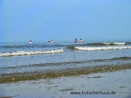 Schwimmen am Strand von Spiekeroog