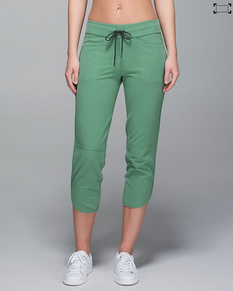 http://www.anrdoezrs.net/links/7680158/type/dlg/http://shop.lululemon.com/products/clothes-accessories/cropped-pants/Keep-It-Cool-Crop?cc=17315&skuId=3596117&catId=cropped-pants