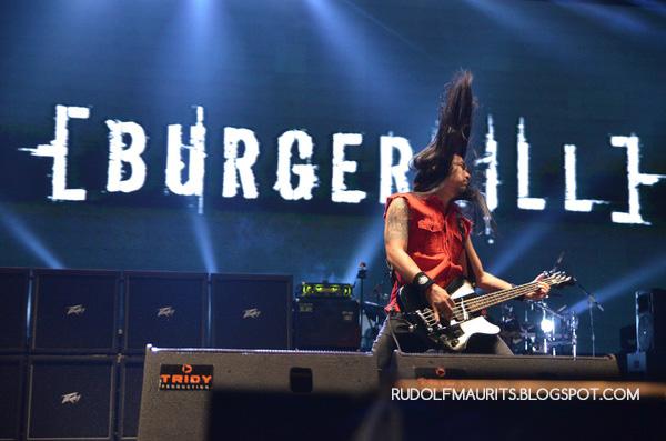 Ramdan Burgerkill tampil bersama Burgerkill di Bandung Berisik 2013