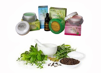 Kosmetik Herbal Alami yang Aman bagi Tubuh