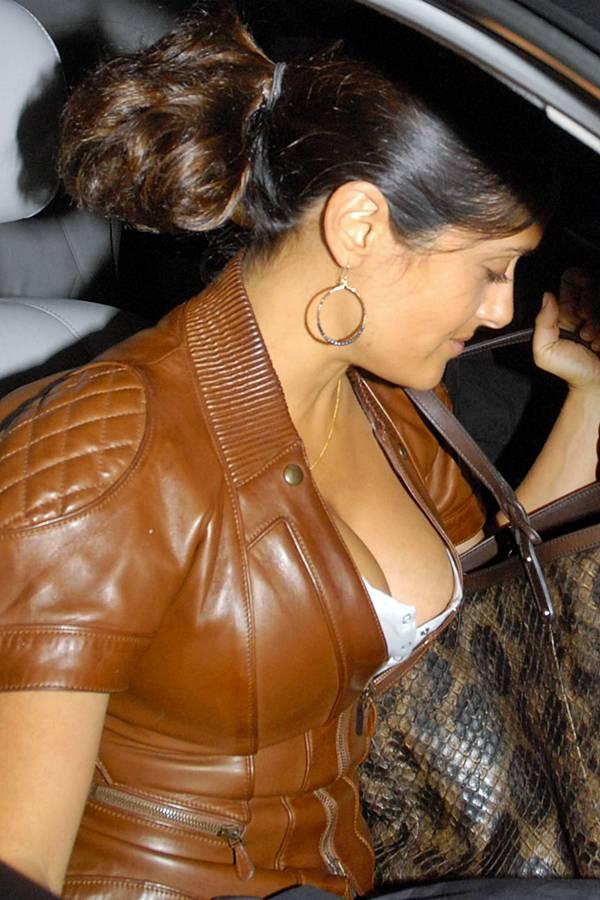 salma hayek glamour  images