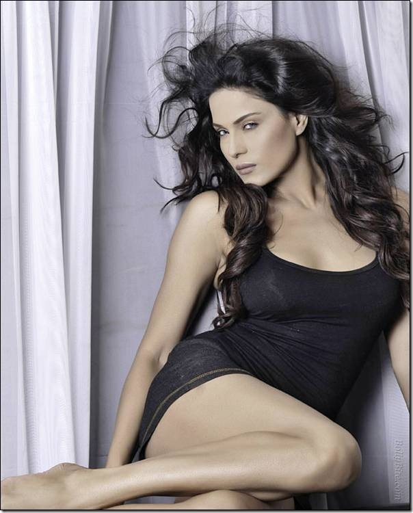 Veena Malik Photoshoot