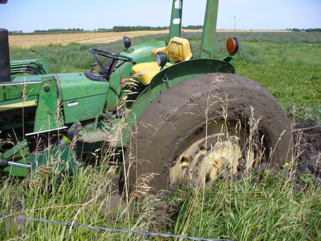 8n Ford Tractor Clutch Stuck : Ford got stuck in the tractor rut