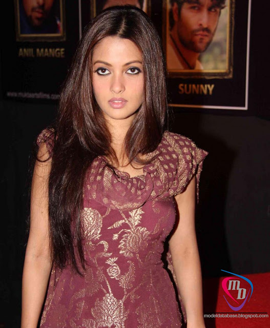... sen stunning in a tight salwar kameez super hot stills from love