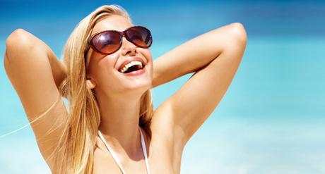 Фото любительские девушки в солнцезащитных очках