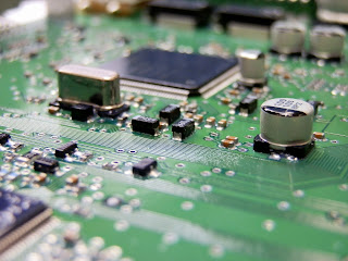 Electronic components on a PCB