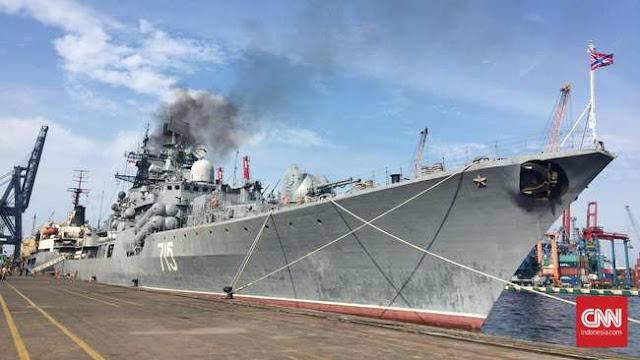 Rusia Pamerkan Kapal Perang Penghancur di Tanjung Priok