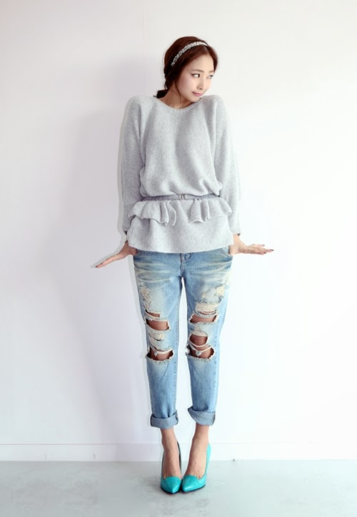 Korean Fashion Ripped Denim Jeans Inspiration Outfits! - Ulzza.com
