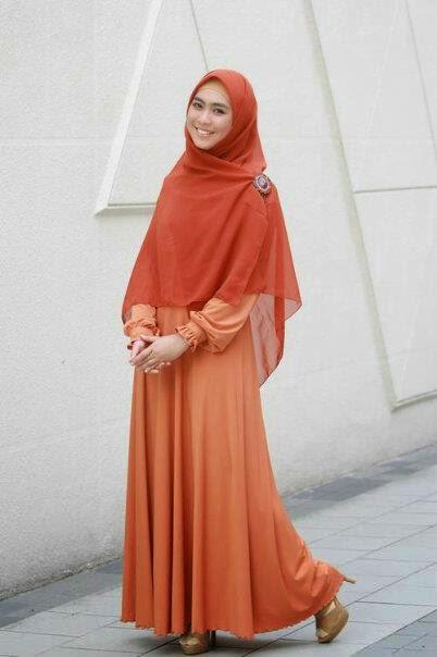 10 Model Baju Muslim Gamis Syar I Ala Artis Oki Setiana