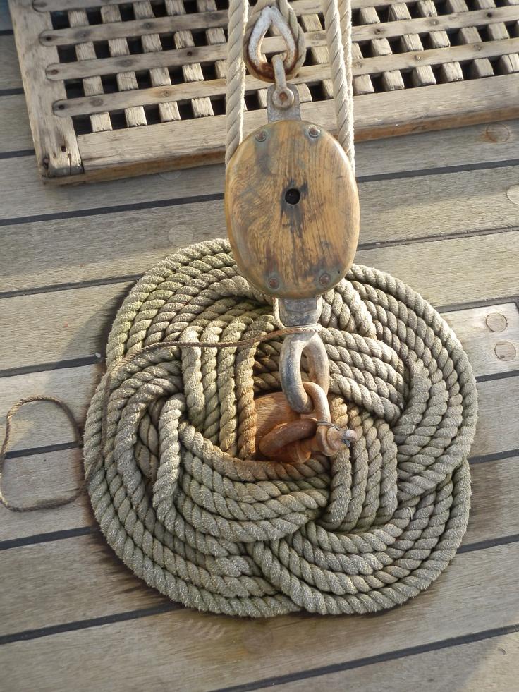 Model ships and nautical decor for interior design nautical handcrafted decor blog - Nautical rope decorating ideas ...