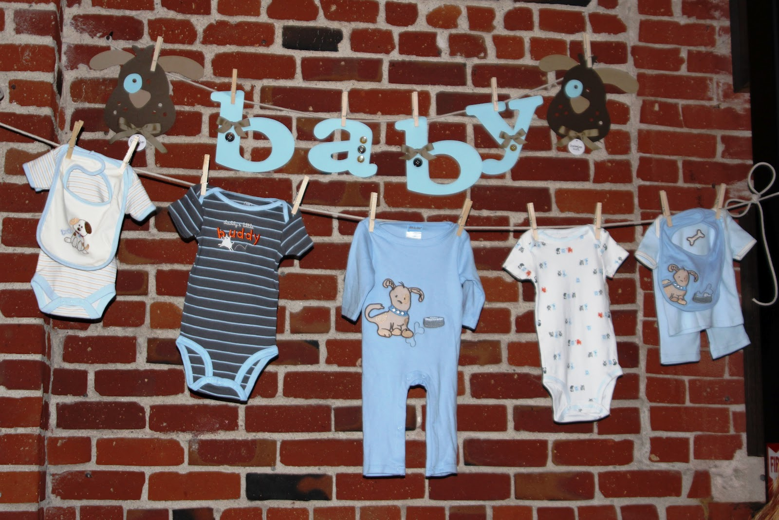Sweet vanilla bean baby boy shower for Baby clothesline decoration