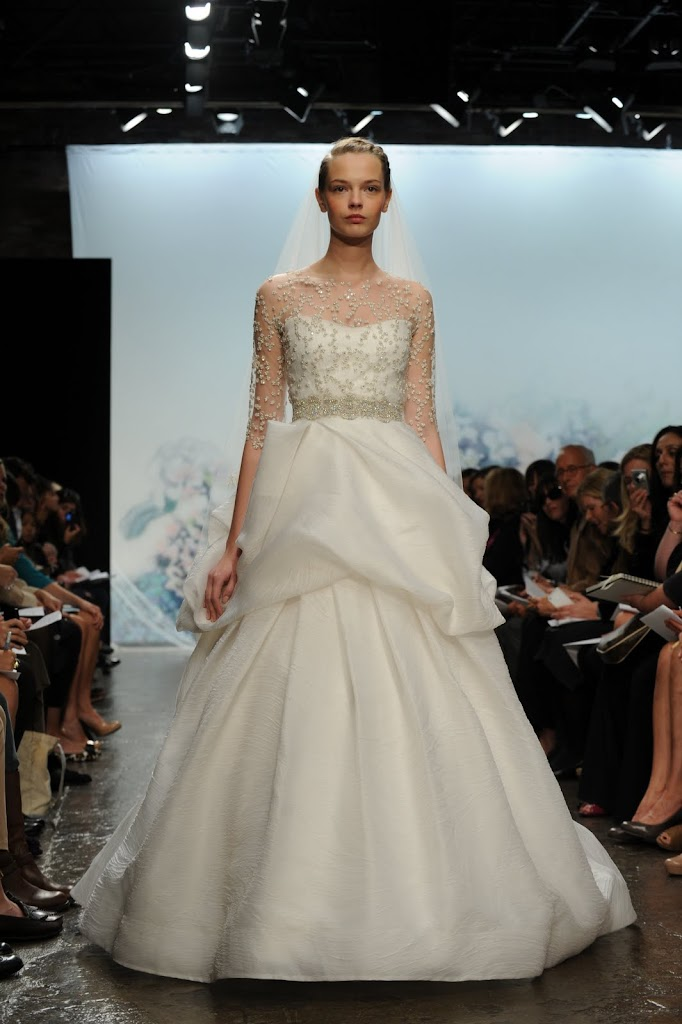 Monique_Lihillier_Wedding_Dress_Shear_Sleeves