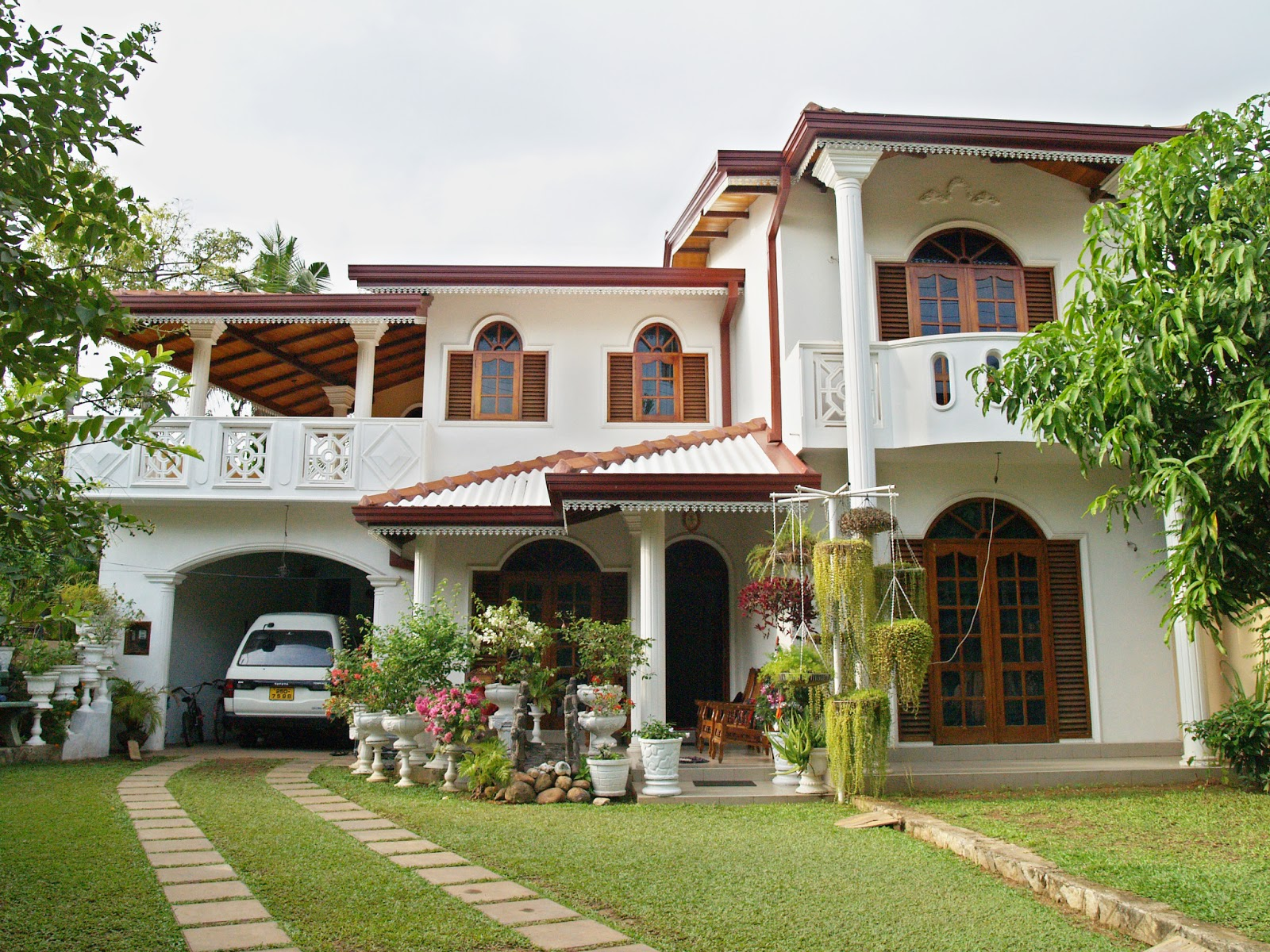 House plans and design modern house plans of sri lanka for Sri lankan homes plans