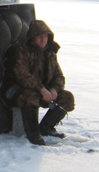 Окунь на блесну по первому льду