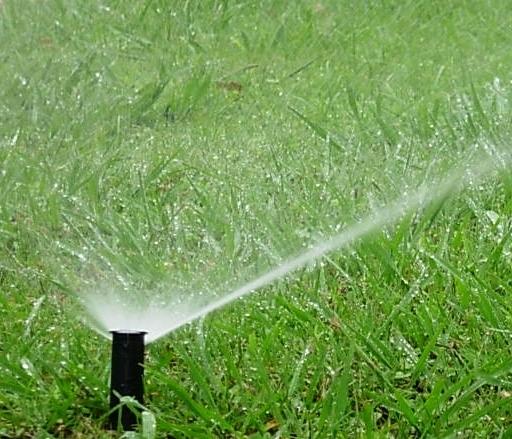 Mejor sistema de riego para el jard n jardinosfera for Sistema de riego jardin vertical