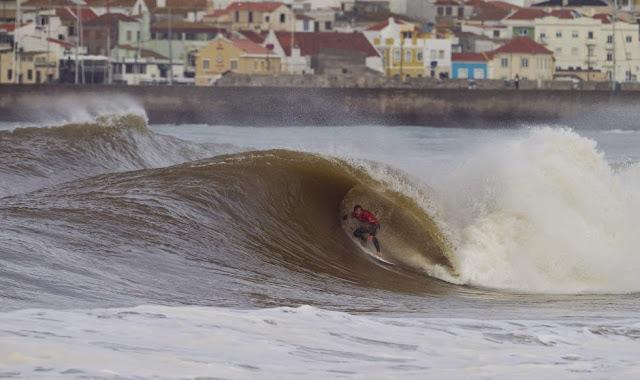 68 2014 Moche Rip Curl Pro Portugal Bede Durbidge Foto ASP Damien Poullenot Aquashot