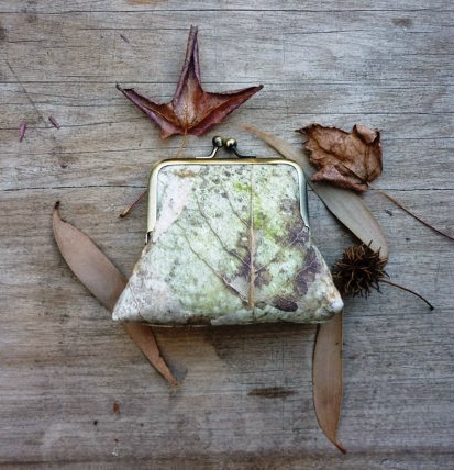 https://www.etsy.com/listing/194677097/forest-floor-woodland-leaves-clutch?ref=favs_view_15