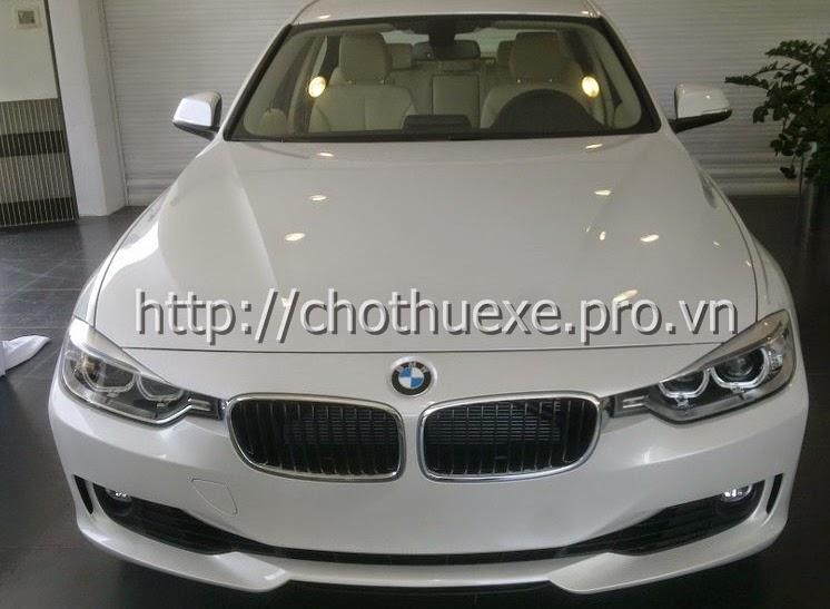 Cho thuê xe ô tô 4 chỗ hạng sang BMW 320i tại Hà Nội