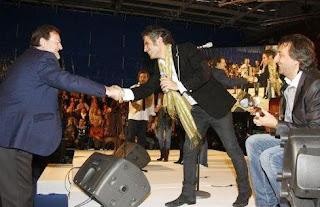 Al cantante Pitingo se le ha vinculado con el Partido Popular