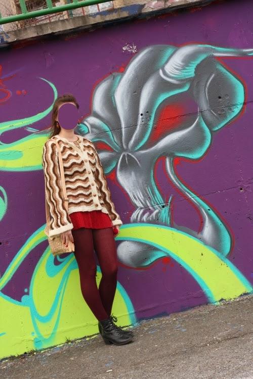 graffiti, outfit, brown, bordeaux