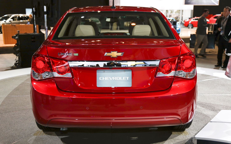 cars model 2013 2014 2014 chevrolet cruze diesel priced at 25 695 hits 42 mpg highway. Black Bedroom Furniture Sets. Home Design Ideas