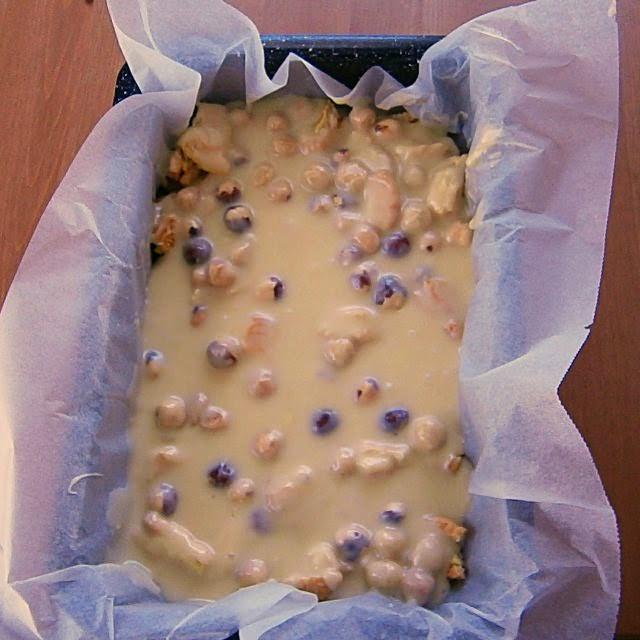 Fudge με λευκή σοκολάτα, φουντούκια και μπισκότα γεμιστά Παπαδοπούλου λεμόνι Διαδικασία