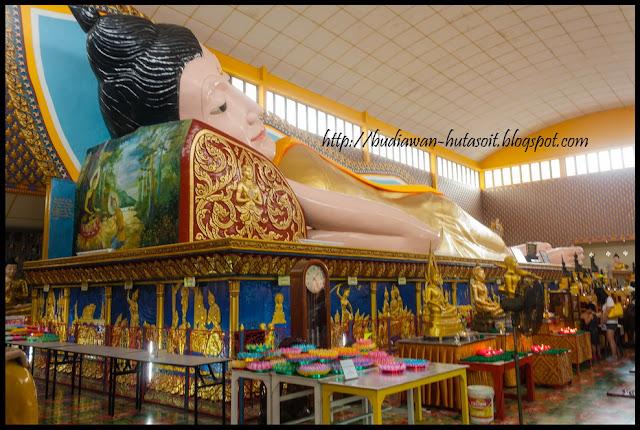 Sleeping Budha di Wat Chaiwattanaram Temple Penang