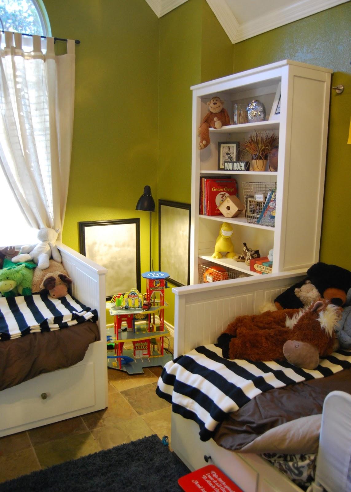 . Momfessionals  Boys Room