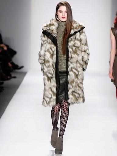 Луксозно кожено палто от сребърна лисица