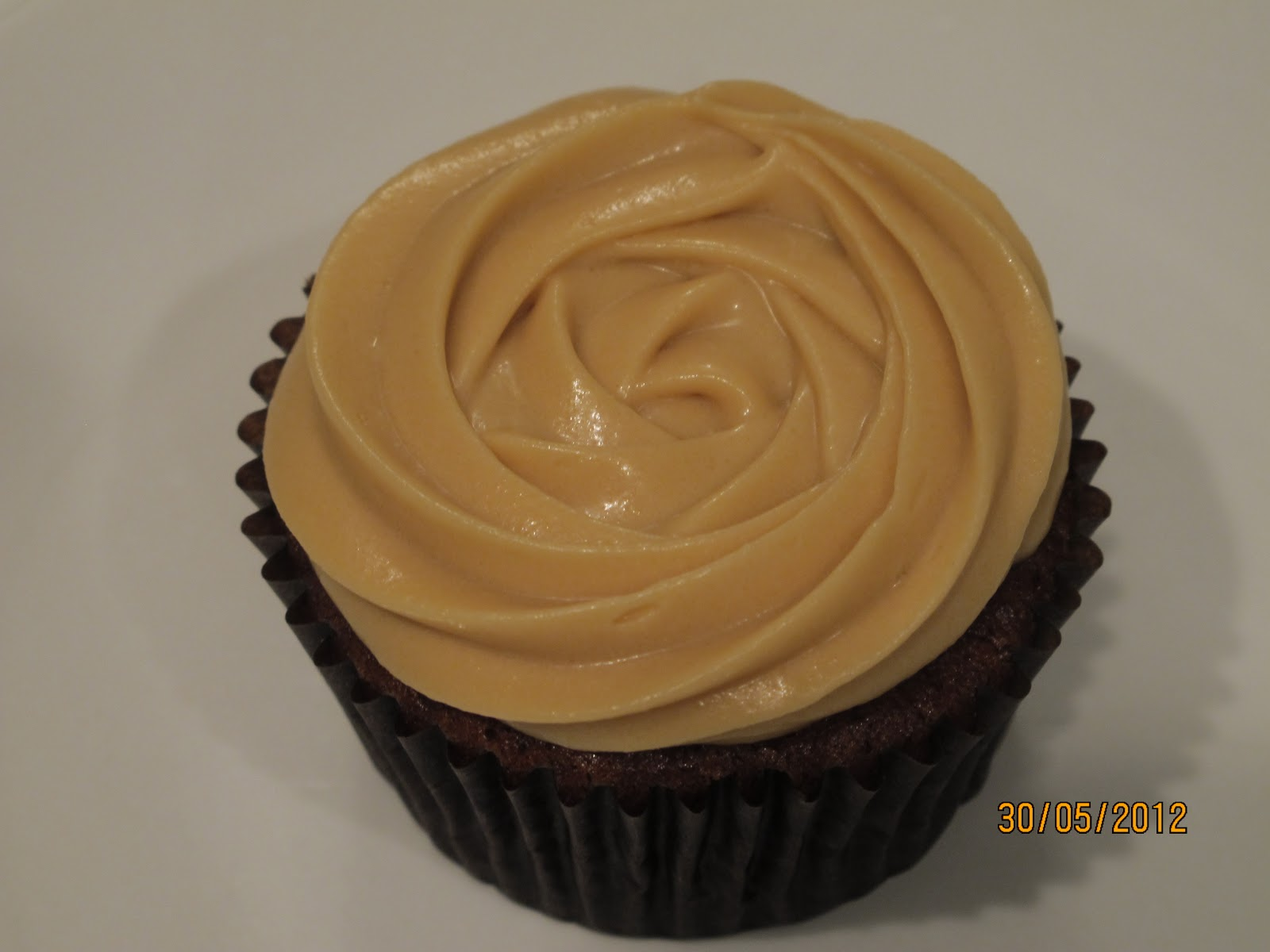 family and food: Sticky Date Cupcakes with Toffee Cream Cheese Icing ...