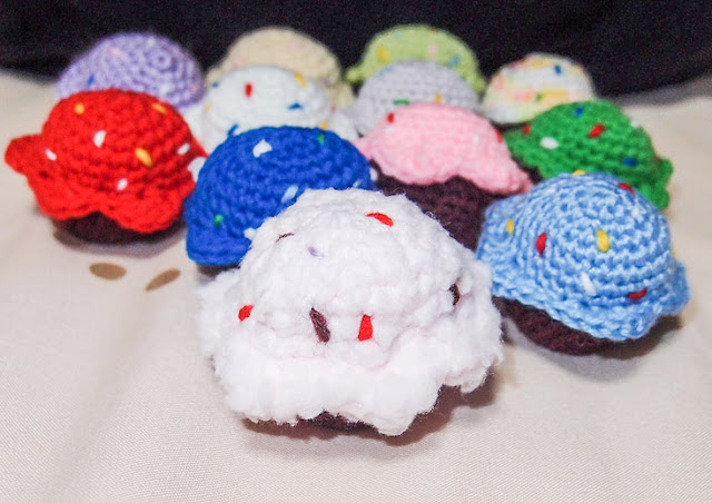 crocheted cupcakes amigurumi