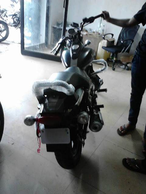 bajaj-avenger-street-200-rear பஜாஜ் அவென்ஜர் ஸ்டீரிட் 200 படங்கள் வெளியானது