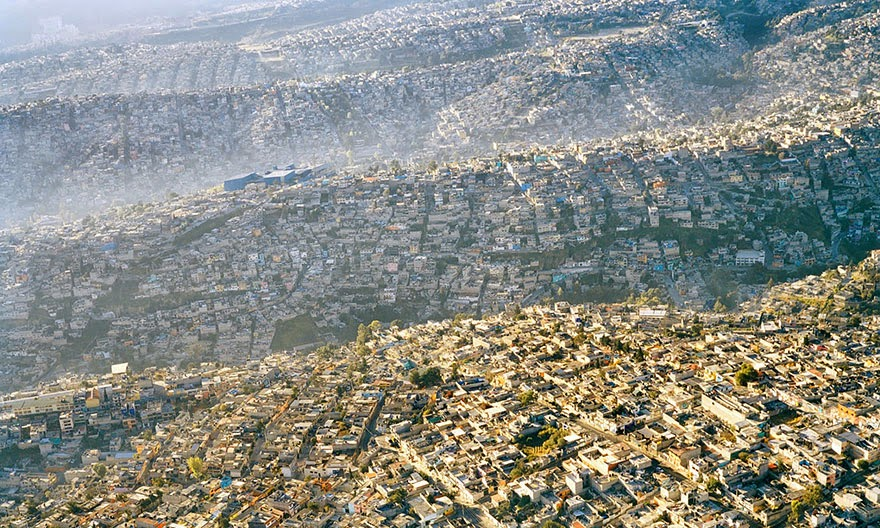 #17 Mexico City Landscape, 20 Million Inhabitants - 22 Heartbreaking Photos Of Pollution That Will Inspire You To Recycle