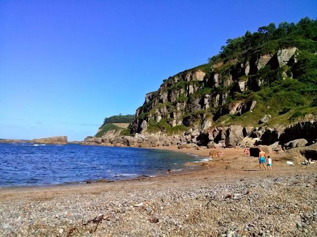 Playa de Estaño en Gijón, Asturias