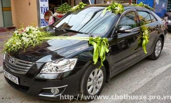 Cho thuê xe cưới Toyota Camry 3.5Q