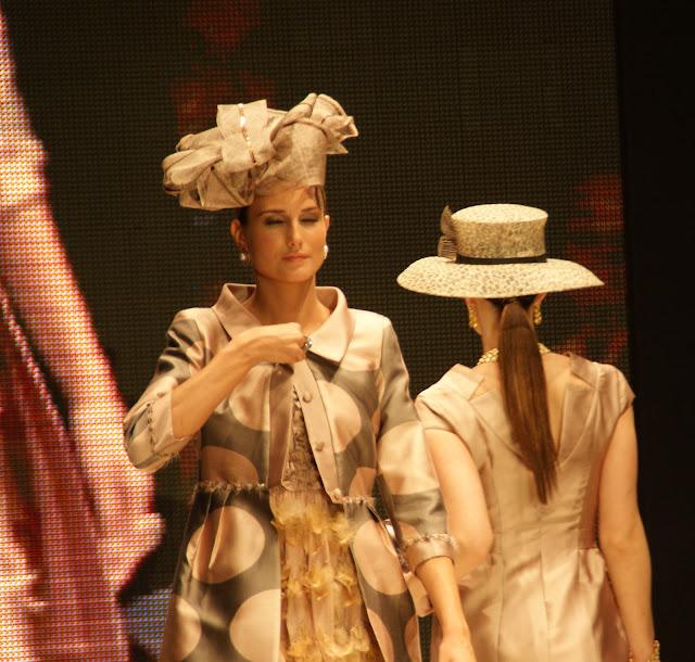 sombreros-del-desfile-de-maria-de-cardenas