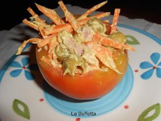insalata in cestini di pomodori