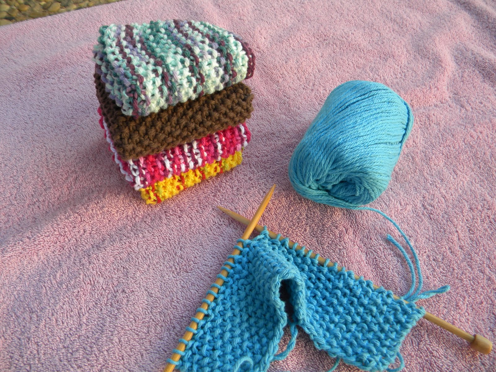 Stitch 2 Buttercups: Knit Dishcloths: Seed Stitch