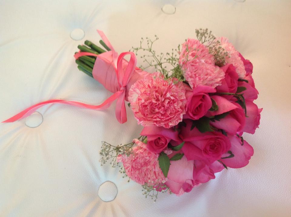Cik Kellie Idea: Hand bouquet ~~ fresh flower