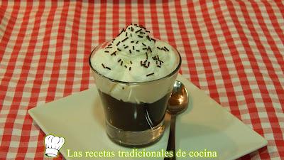 Copa de ganaché de chocolate y nata