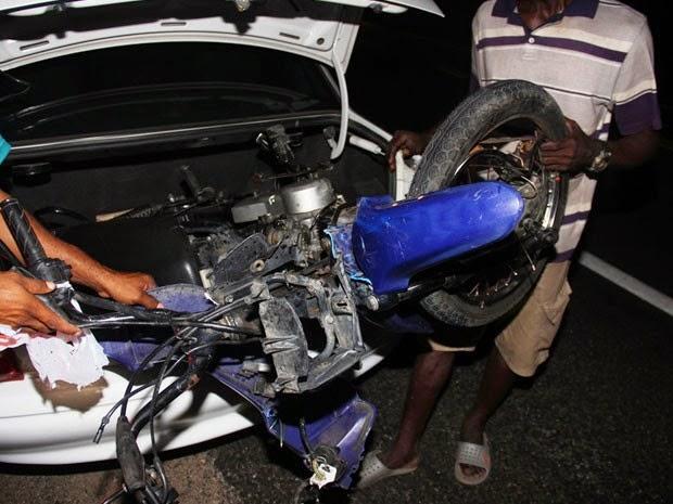Condutor de moto, de 14 anos, também morreu no acidente (Foto: Raimundo Mascarenhas / Calila Noticias)
