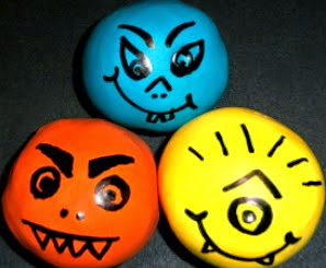 http://translate.googleusercontent.com/translate_c?depth=1&hl=es&rurl=translate.google.es&sl=en&tl=es&u=http://wesens-art.blogspot.de/2013/10/diy-monster-balls.html&usg=ALkJrhismt_DeI7GGkUPS9AiTKbWwo2JPw
