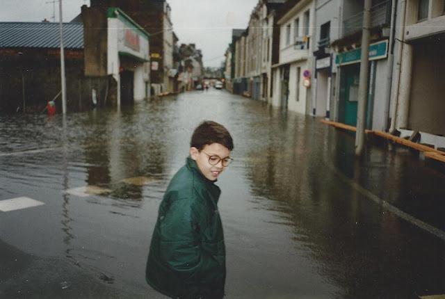 inondations redon en 1995, la vilaine déborde dans la ville