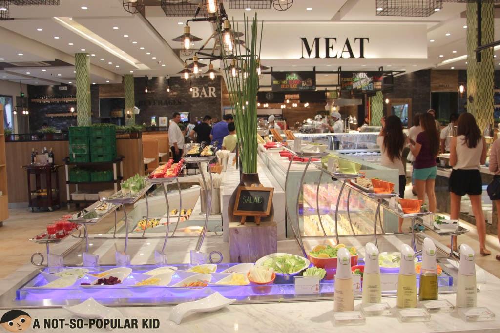 Salad Bar of Four Seasons Hotpot Buffet